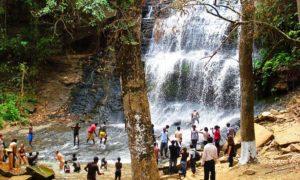 キンタンポの滝 ガーナ